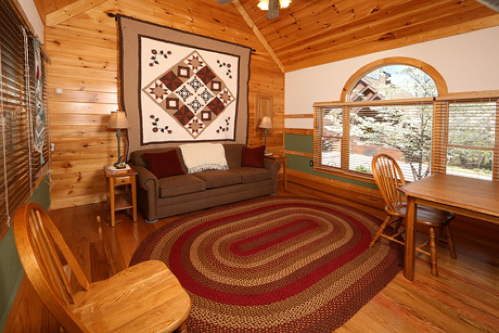 Photo of a Sevierville Cabin named Parkside Haven - This is the fourth photo in the set.