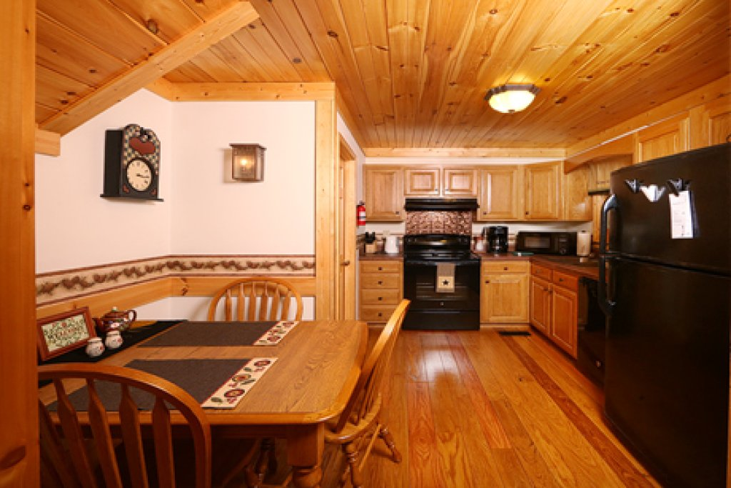 Photo of a Sevierville Cabin named Parkside Haven - This is the ninth photo in the set.