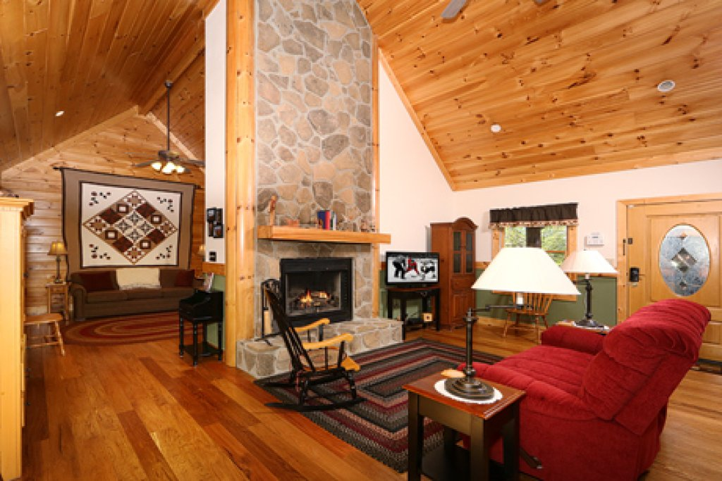 Photo of a Sevierville Cabin named Parkside Haven - This is the second photo in the set.