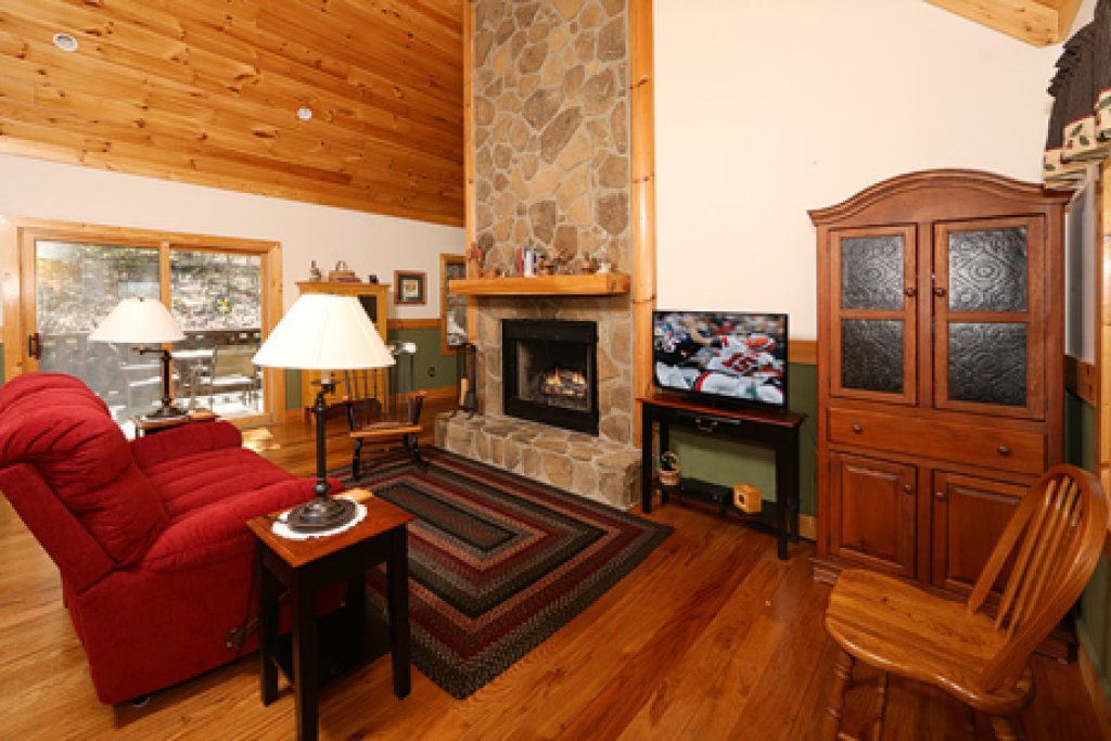 Photo of a Sevierville Cabin named Parkside Haven - This is the third photo in the set.