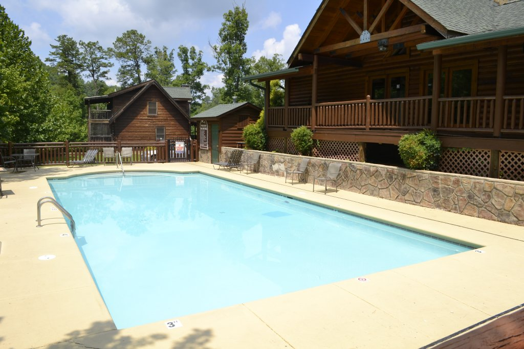Photo of a Sevierville Cabin named Smoky Cascades - This is the twentieth photo in the set.