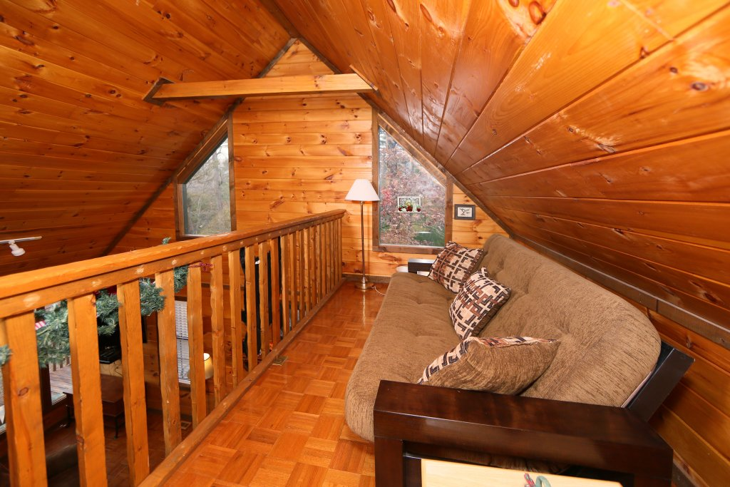 Photo of a Sevierville Cabin named Windsong - This is the ninth photo in the set.