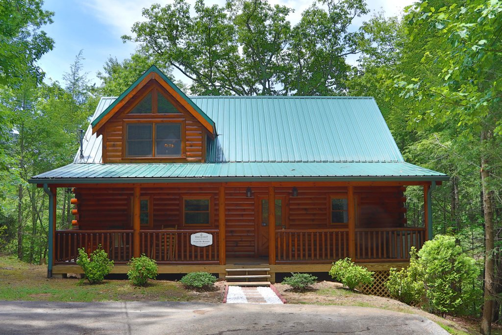 Photo of a Sevierville Cabin named Around The Mountain - This is the thirty-second photo in the set.