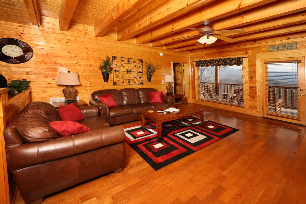 Photo of a Sevierville Cabin named Wavyleaf Retreat - This is the fifth photo in the set.