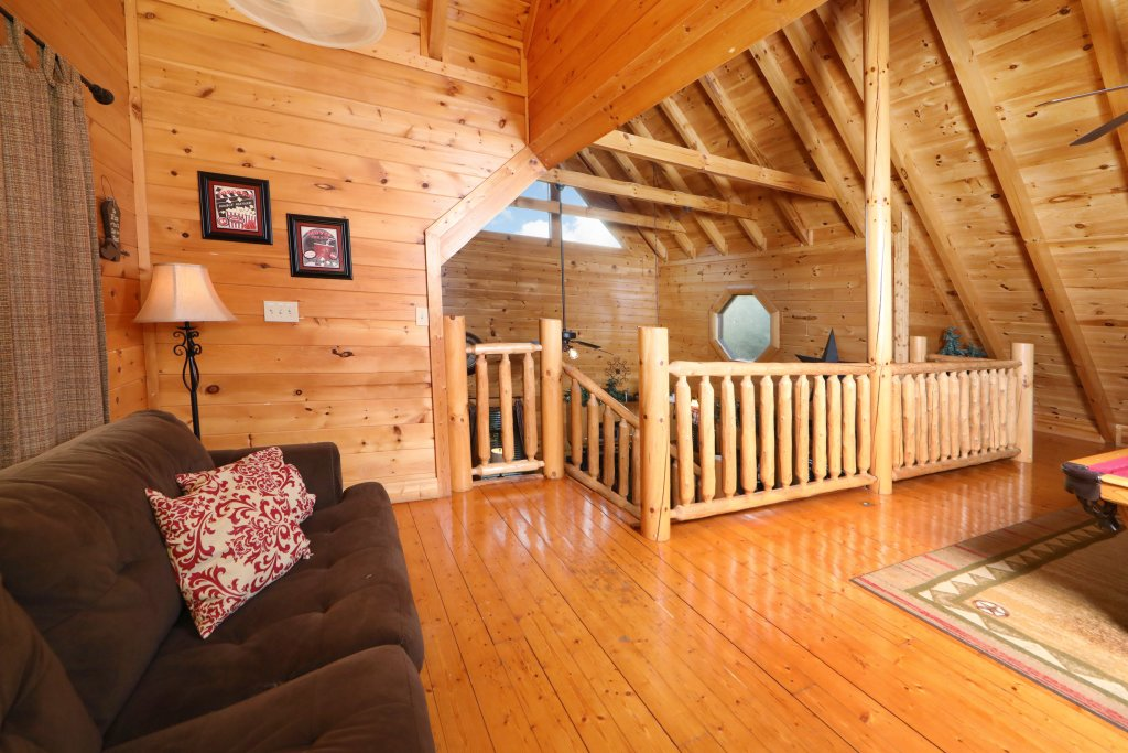 Photo of a Sevierville Cabin named Amazing Grace - This is the nineteenth photo in the set.