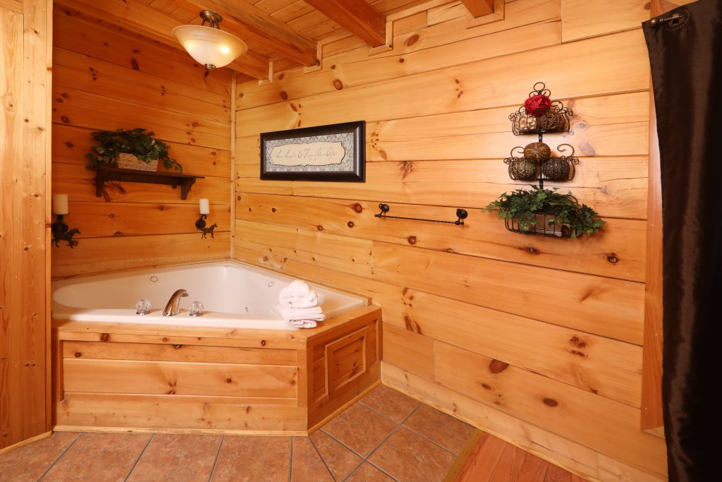 Photo of a Sevierville Cabin named Amazing Grace - This is the eighth photo in the set.