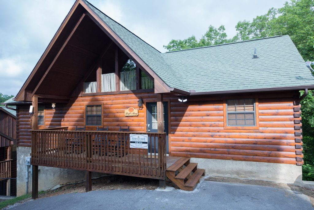 Photo of a Pigeon Forge Cabin named Drift Away - This is the sixteenth photo in the set.