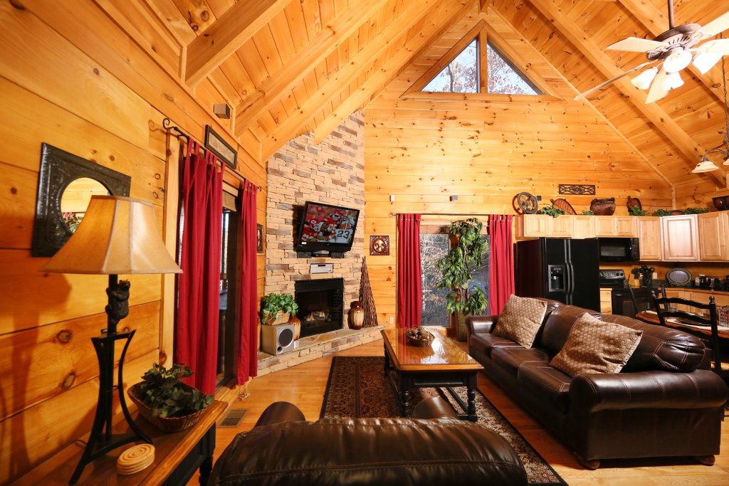 Photo of a Sevierville Cabin named Sweet Surrender - This is the third photo in the set.