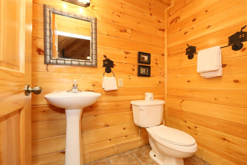 Photo of a Sevierville Cabin named Sweet Surrender - This is the tenth photo in the set.