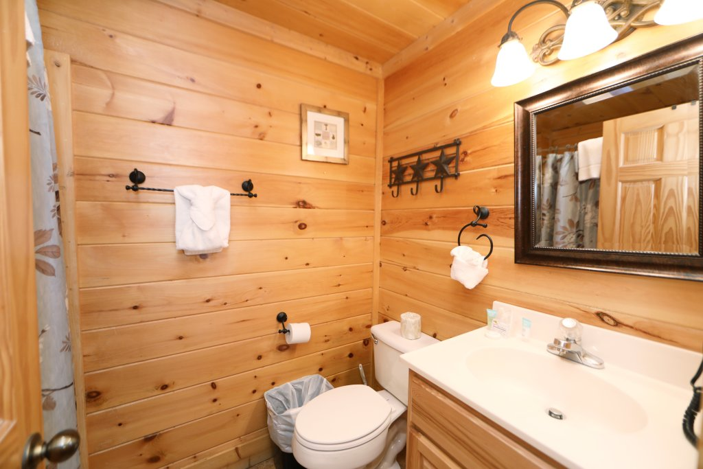 Photo of a Sevierville Cabin named Amazing Grace - This is the fourteenth photo in the set.