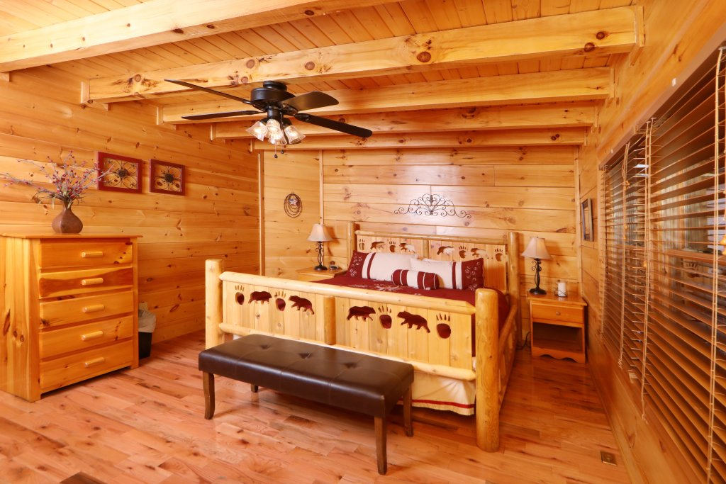 Photo of a Sevierville Cabin named Amazing Grace - This is the tenth photo in the set.