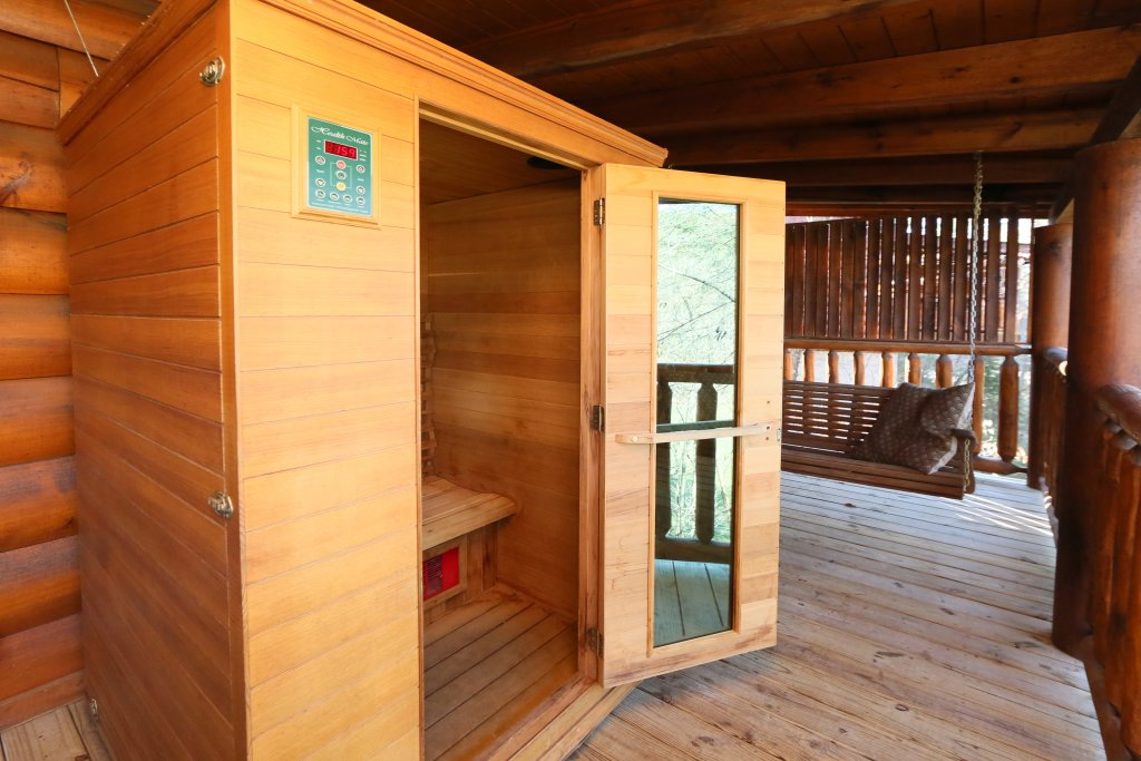 Photo of a Sevierville Cabin named Sweet Surrender - This is the nineteenth photo in the set.