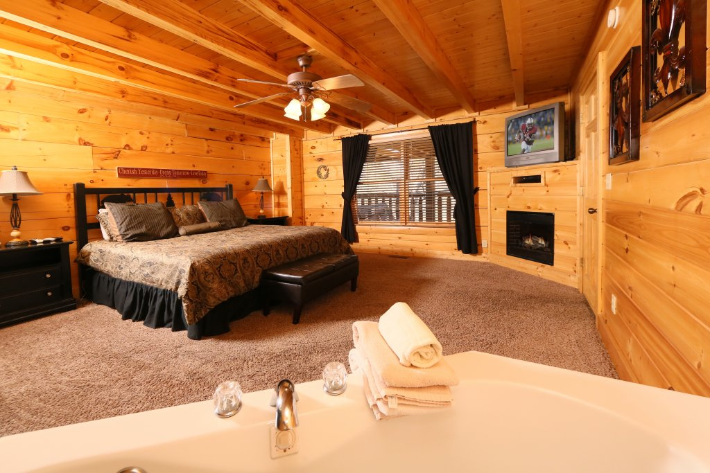 Photo of a Sevierville Cabin named Sweet Surrender - This is the seventh photo in the set.