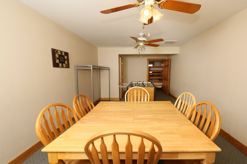 Photo of a Pigeon Forge Condo named Poplar Point Condo Unit 12d - This is the seventeenth photo in the set.