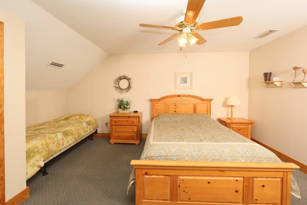 Photo of a Pigeon Forge Condo named Poplar Point Condo Unit 12f - This is the fifth photo in the set.