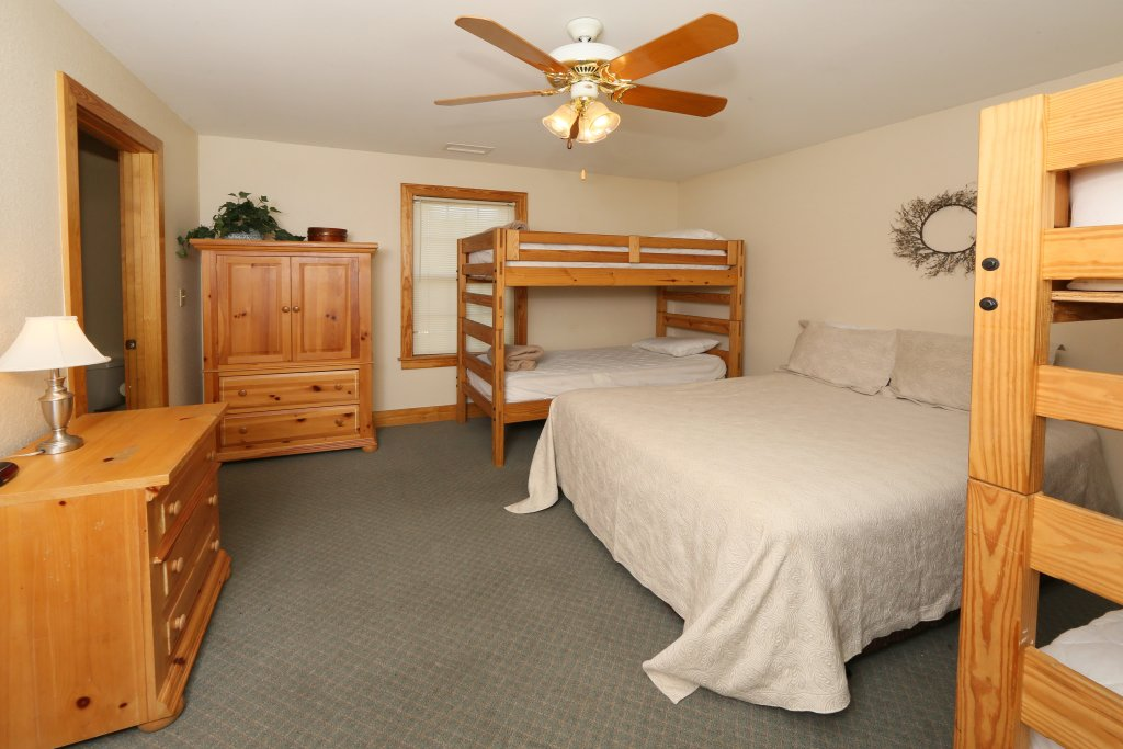 Photo of a Pigeon Forge Condo named Poplar Point Condo Unit 12d - This is the fourth photo in the set.