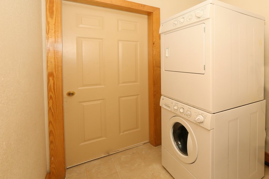 Photo of a Pigeon Forge Condo named Poplar Point Condo Unit 12d - This is the sixteenth photo in the set.