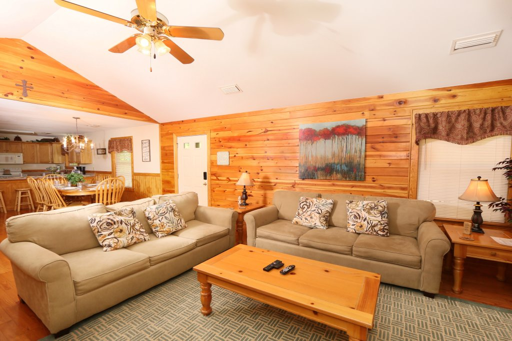 Photo of a Pigeon Forge Chalet named Walnut Grove (#2) - This is the fourth photo in the set.