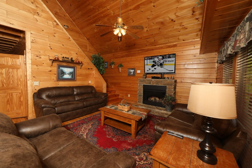 Photo of a Sevierville Cabin named Bentley Lodge - This is the second photo in the set.