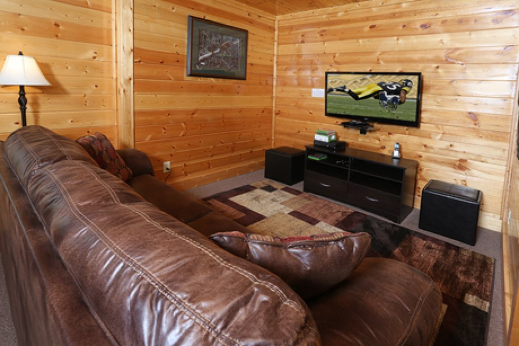 Photo of a Sevierville Cabin named Mountain Dreams - This is the fourteenth photo in the set.