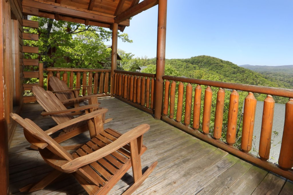 Photo of a Sevierville Cabin named Scenic Vista Lodge - This is the thirtieth photo in the set.