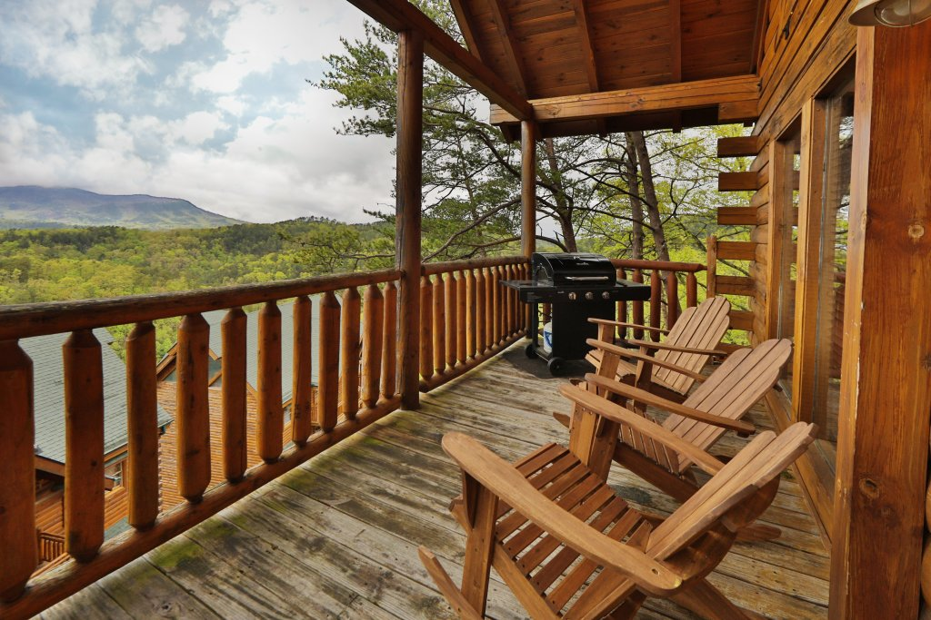 Photo of a Sevierville Cabin named Scenic Vista Lodge - This is the thirty-sixth photo in the set.