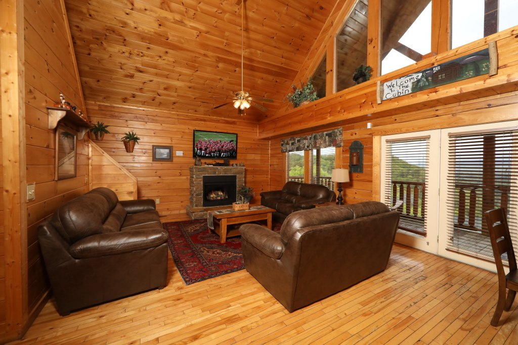 Photo of a Sevierville Cabin named Bentley Lodge - This is the fourth photo in the set.