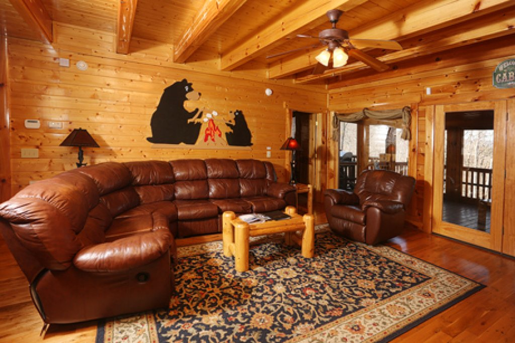Photo of a Sevierville Cabin named Estate Of Relaxation - This is the third photo in the set.