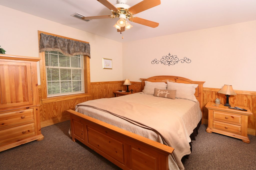 Photo of a Pigeon Forge Chalet named Walnut Grove (#2) - This is the eighth photo in the set.