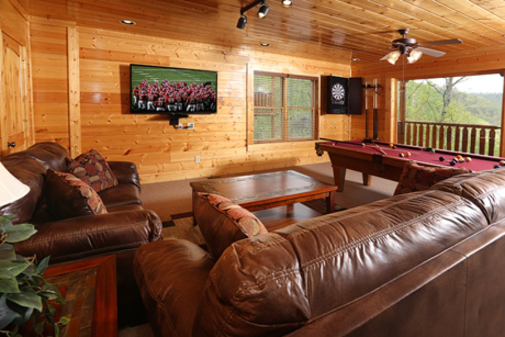 Photo of a Sevierville Cabin named Mountain Dreams - This is the twelfth photo in the set.