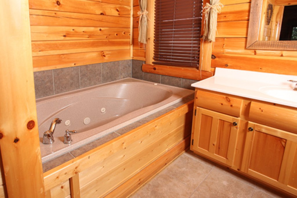 Photo of a Sevierville Cabin named Estate Of Relaxation - This is the sixth photo in the set.