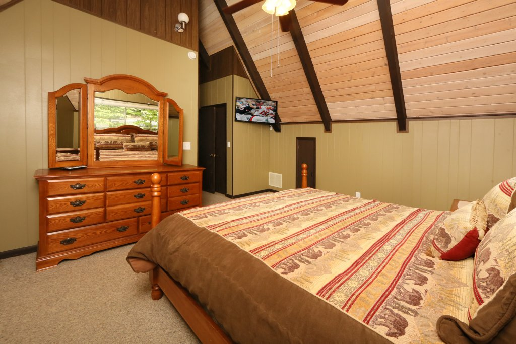 Photo of a Gatlinburg Cabin named Million Dollar View - This is the eighth photo in the set.