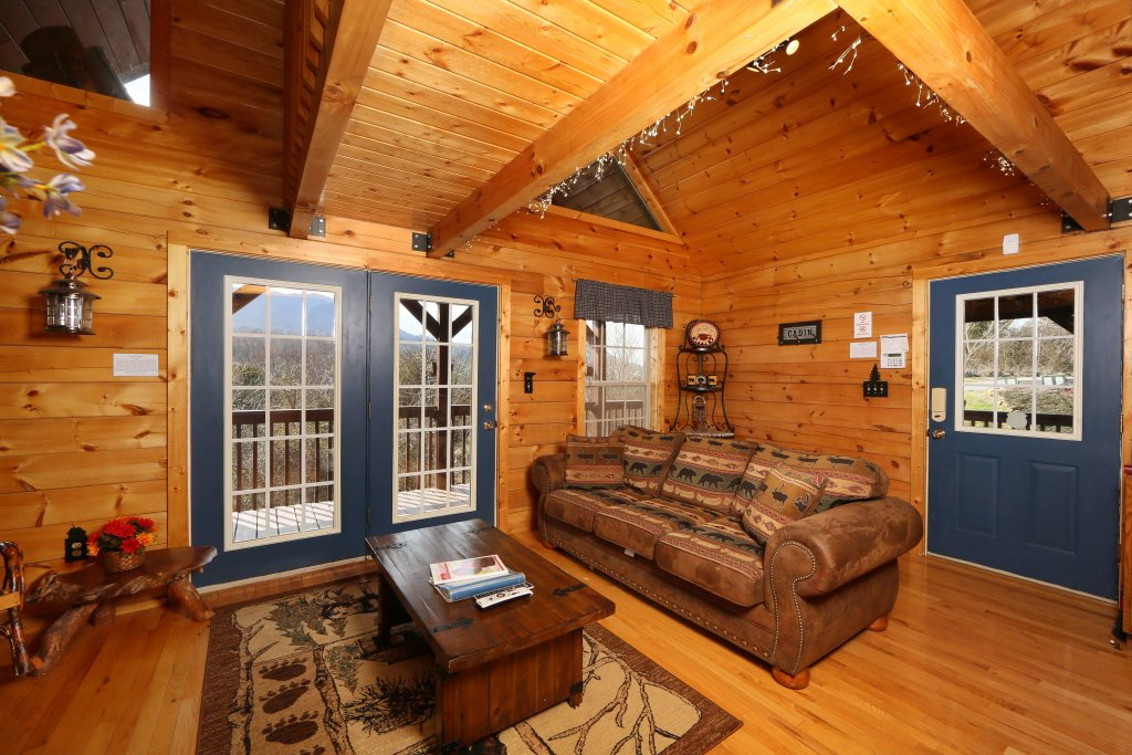 Photo of a Sevierville Cabin named Fireside Memories - This is the fourth photo in the set.