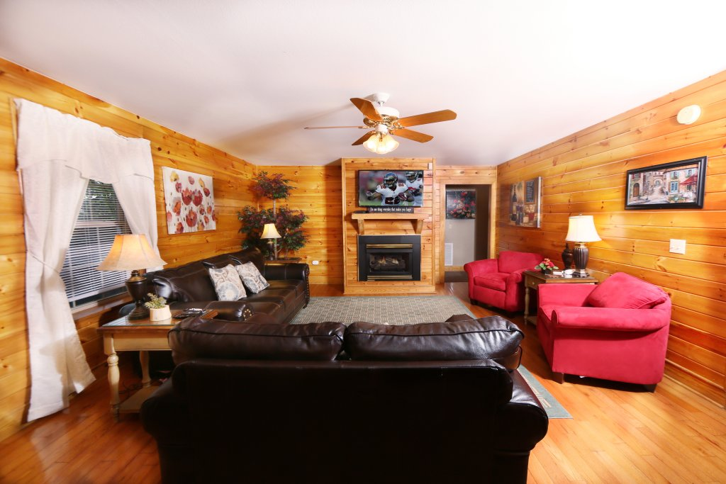 Photo of a Pigeon Forge Condo named Pinnacle View 7c - This is the fifth photo in the set.