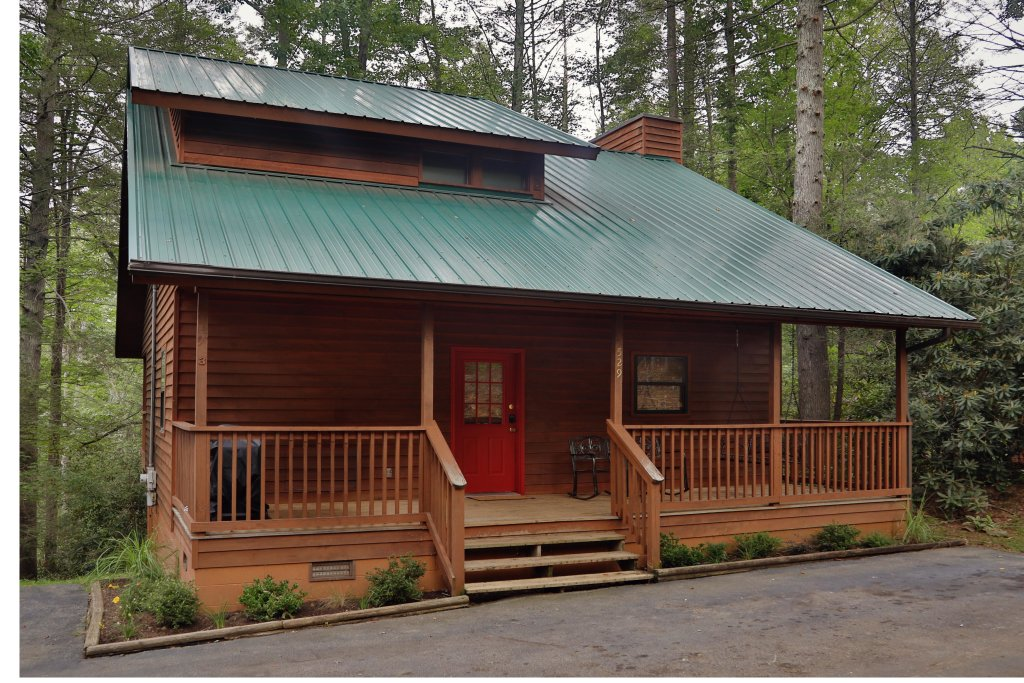 Photo of a Gatlinburg Chalet named Divine Escape - This is the first photo in the set.