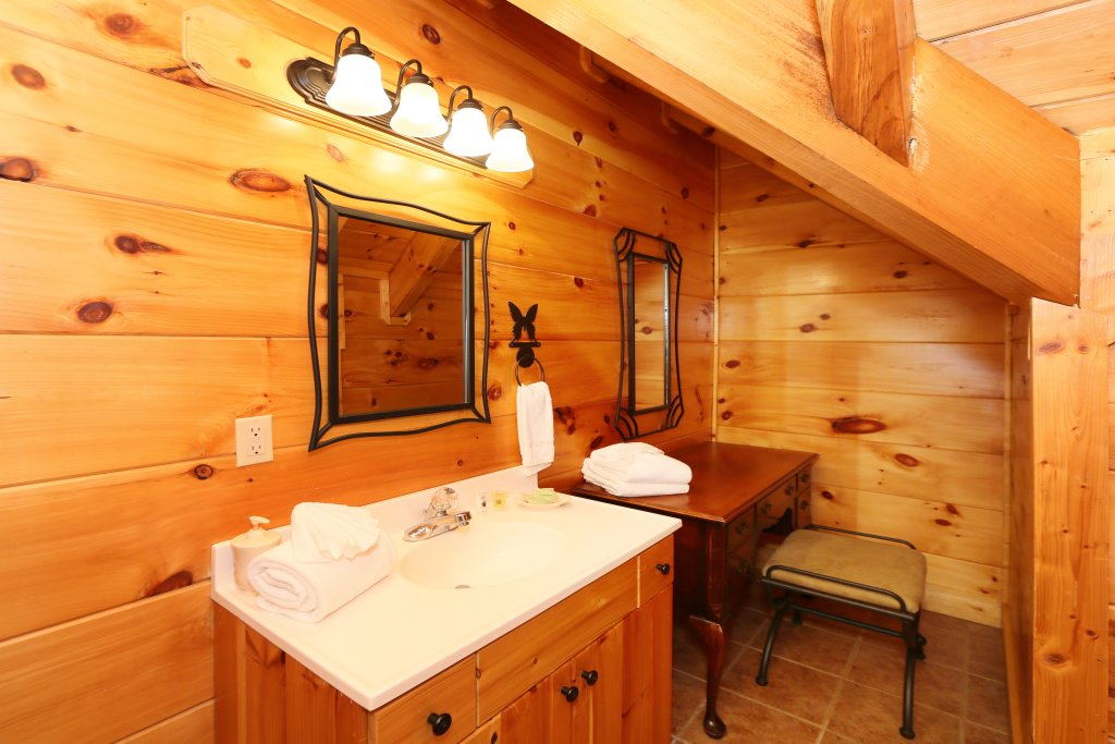 Photo of a Sevierville Cabin named Southern Hospitality - This is the sixth photo in the set.