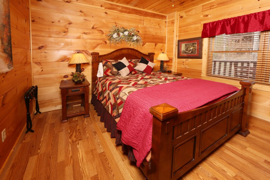 Photo of a Sevierville Cabin named Smoky Mountain Getaway - This is the tenth photo in the set.
