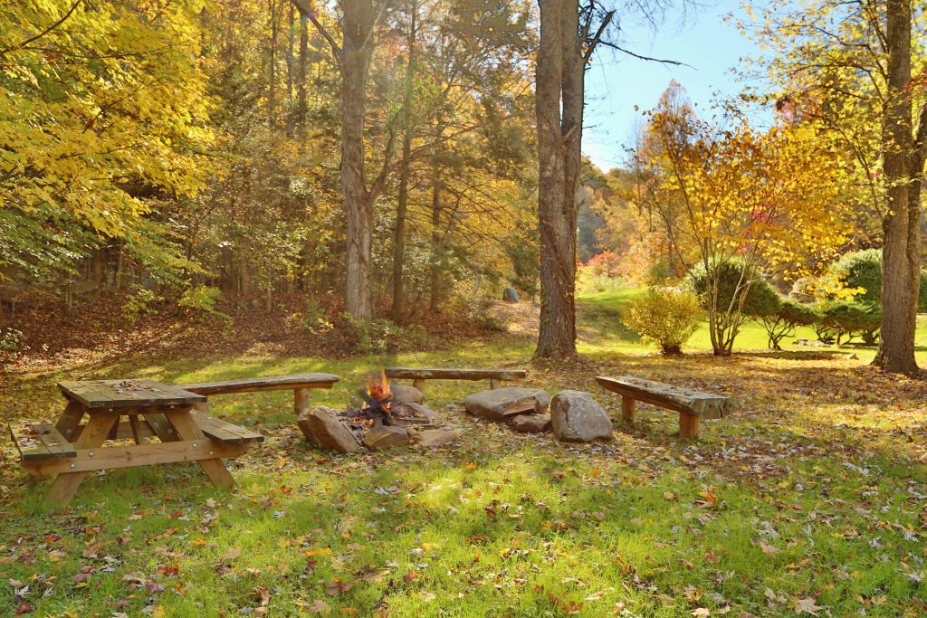 Photo of a Sevierville Cabin named Smoky Mountain Getaway - This is the twenty-seventh photo in the set.