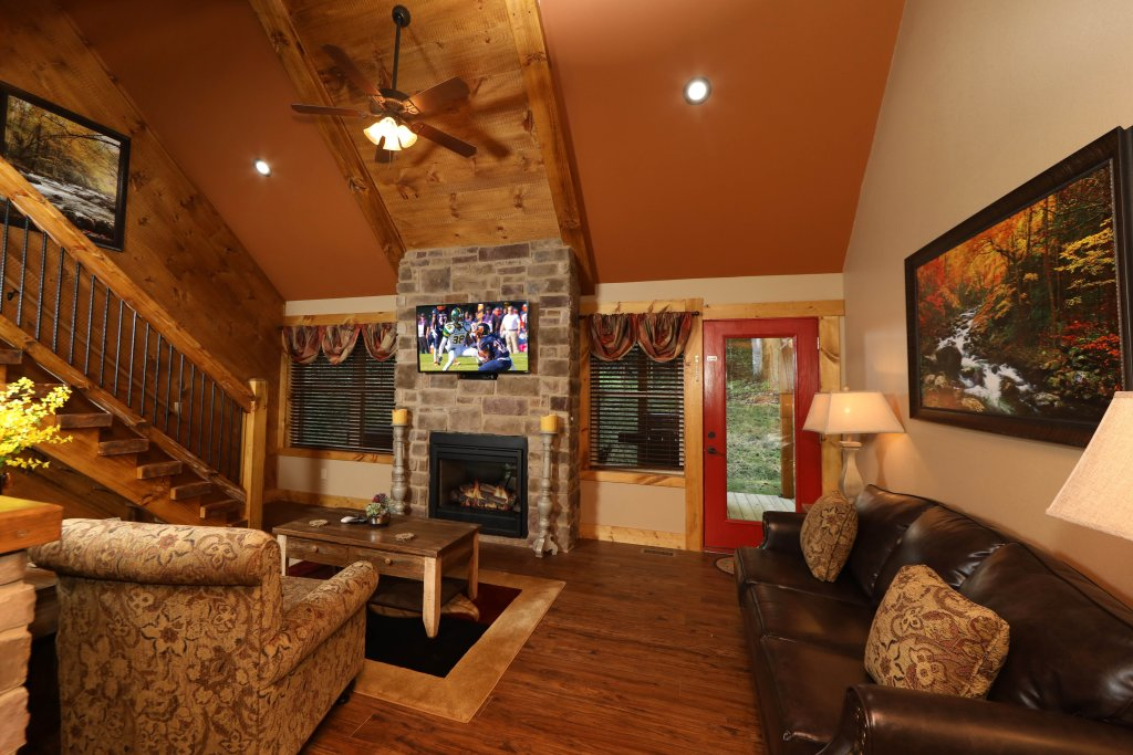 Photo of a Gatlinburg Chalet named Misty Mountainside - This is the third photo in the set.