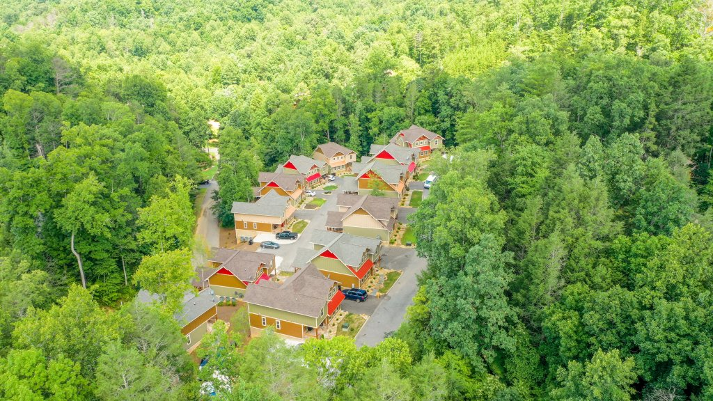Photo of a Gatlinburg Chalet named Misty Mountainside - This is the fortieth photo in the set.
