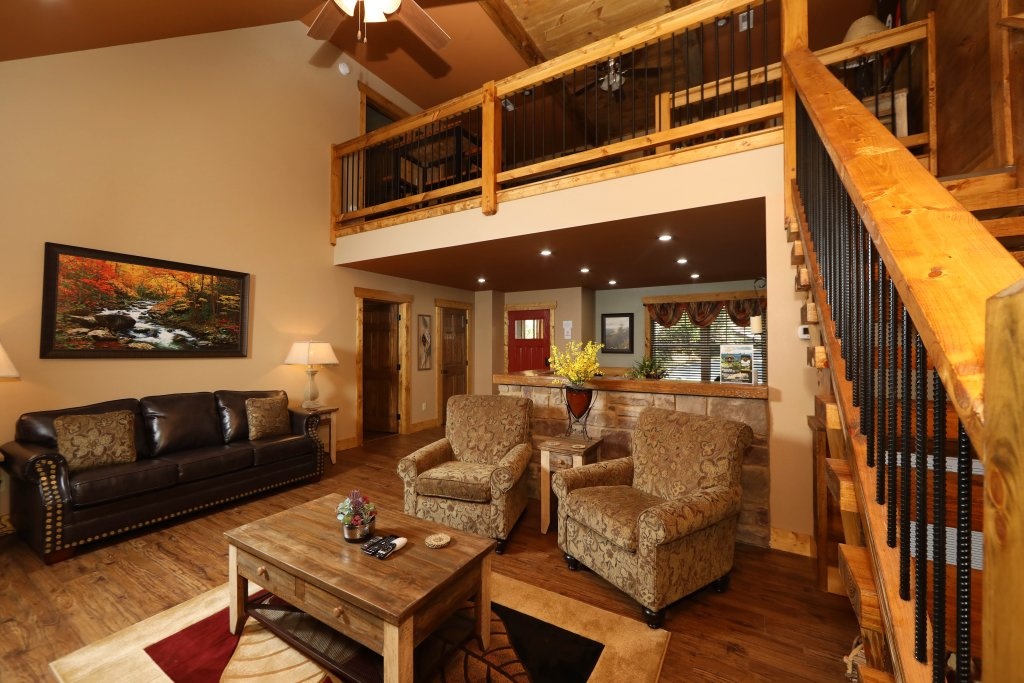 Photo of a Gatlinburg Chalet named Misty Mountainside - This is the second photo in the set.