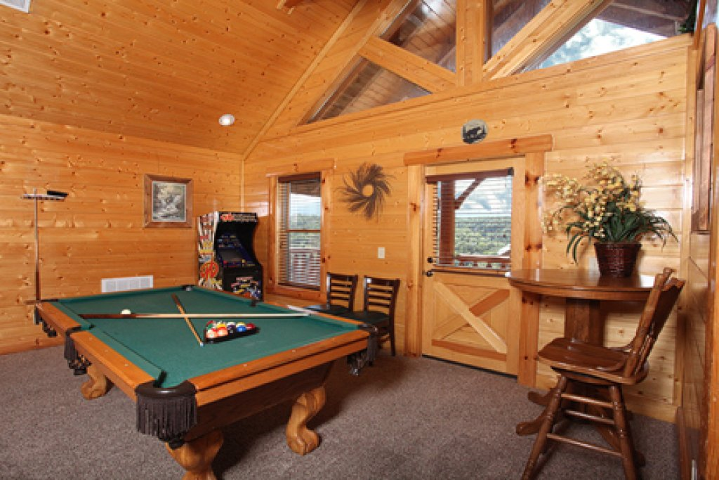 Photo of a Sevierville Cabin named Estate Of Relaxation - This is the twenty-second photo in the set.