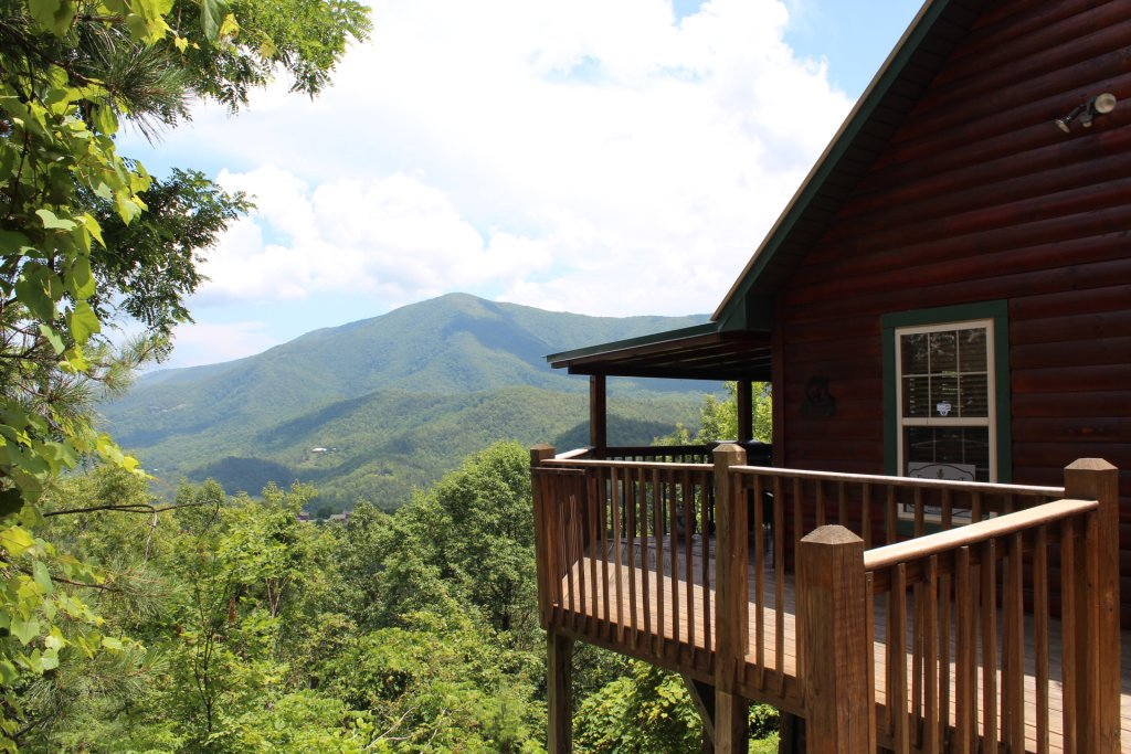 Photo of a Sevierville Cabin named Majestic Views - This is the twenty-eighth photo in the set.