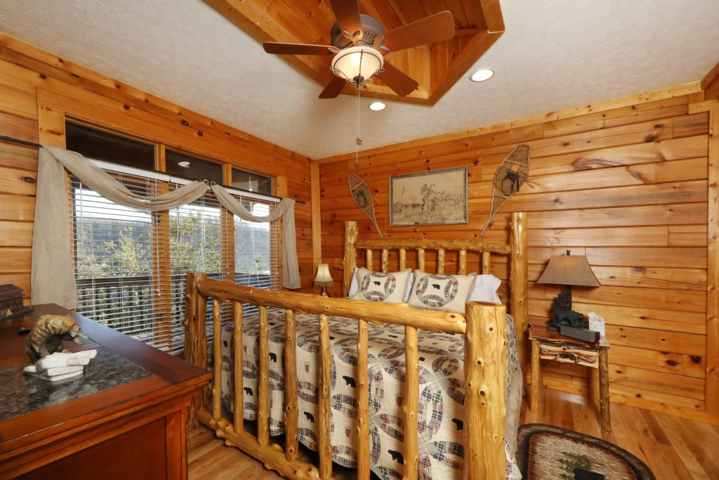 Photo of a Sevierville Cabin named A Heavenly View - This is the fifth photo in the set.