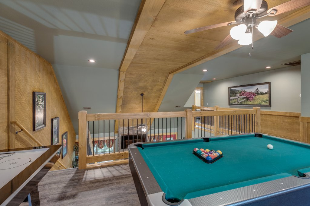 Photo of a Gatlinburg Chalet named Marco Polo - This is the twenty-ninth photo in the set.