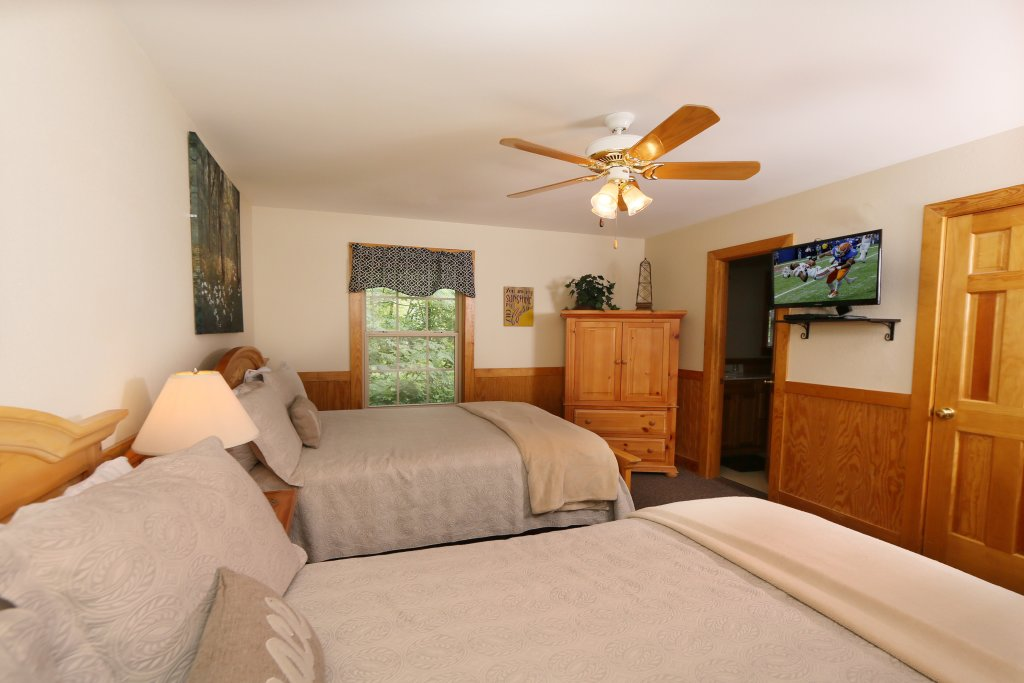 Photo of a Pigeon Forge Chalet named Holly Grove (#1) - This is the sixteenth photo in the set.