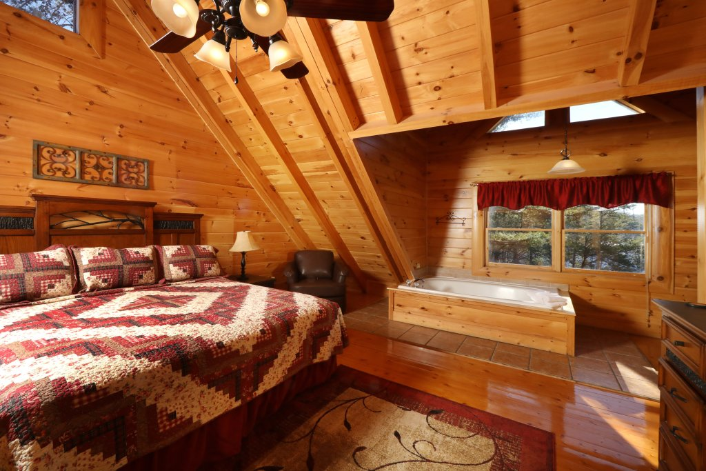 Photo of a Sevierville Cabin named Mountain Blessings - This is the seventh photo in the set.
