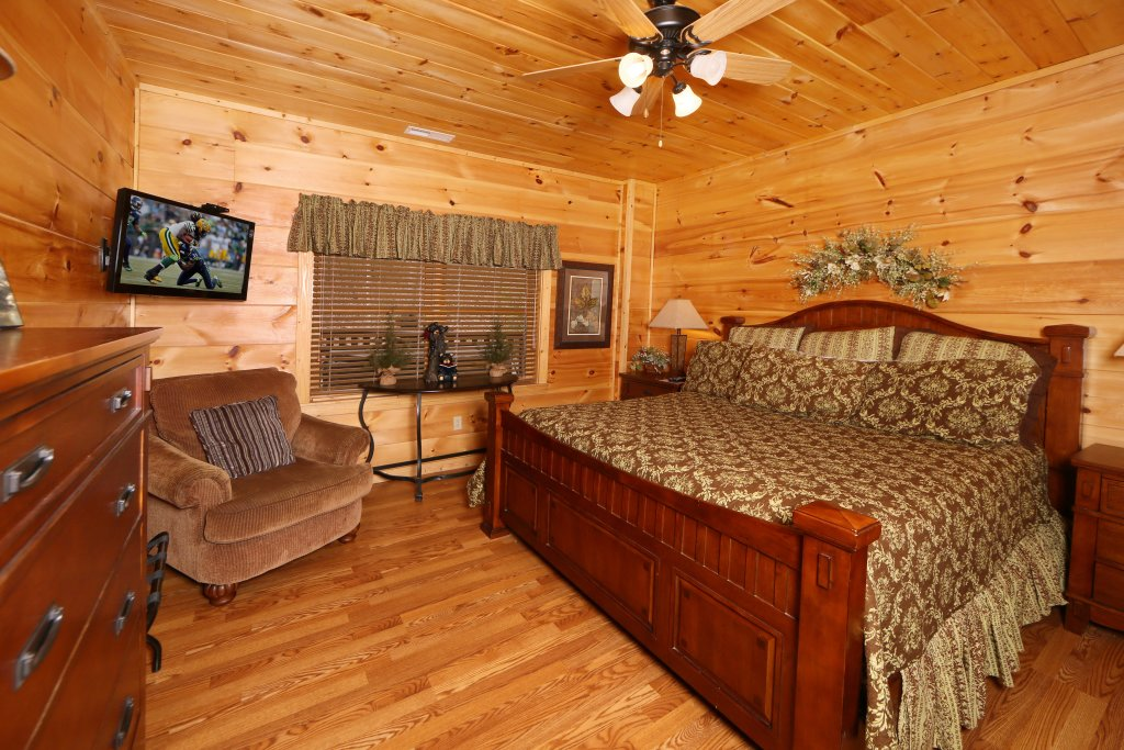 Photo of a Sevierville Cabin named Smoky Mountain Getaway - This is the eighth photo in the set.