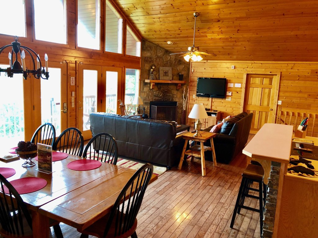Photo of a Sevierville Cabin named Majestic Views - This is the eighteenth photo in the set.