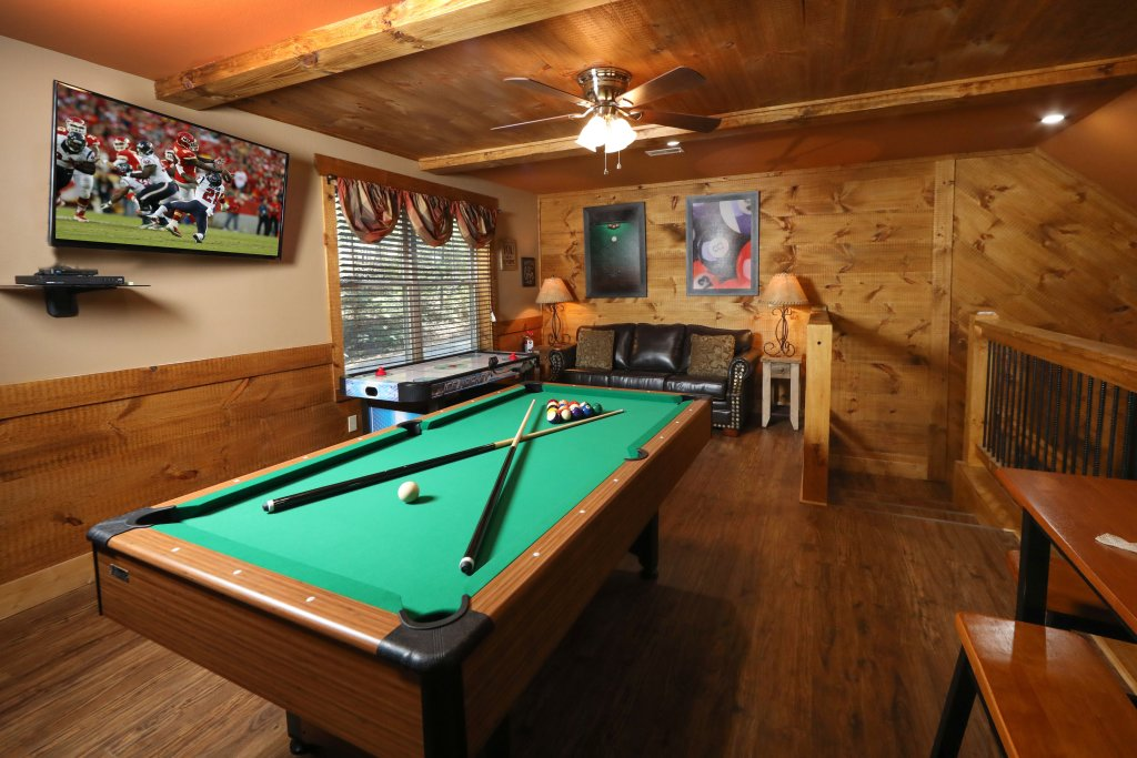 Photo of a Gatlinburg Chalet named Misty Mountainside - This is the twenty-first photo in the set.